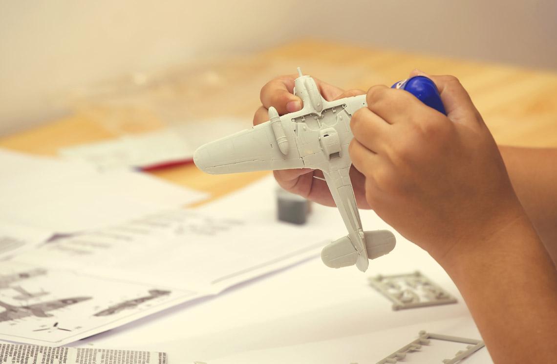Modelos a escala en <br> plástico, accesorios y pinturas